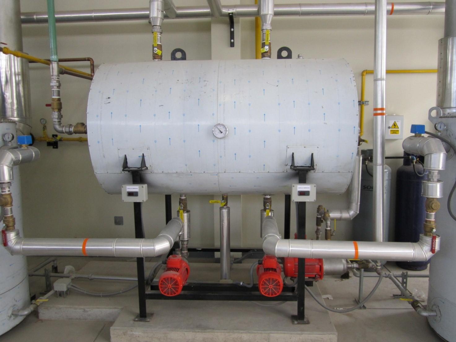 Tanque Horizontal de Almacenamiento de Agua Marca Termotécnica